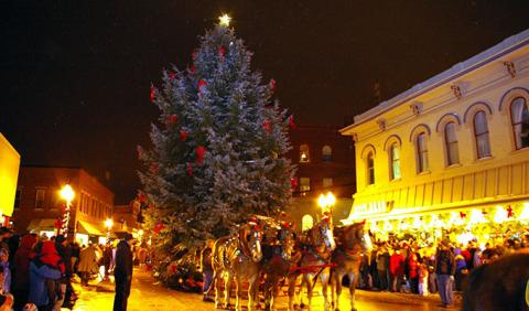 Annual Victorian Sleighbell Parade and Old Christmas Weekend in Manistee Michigan