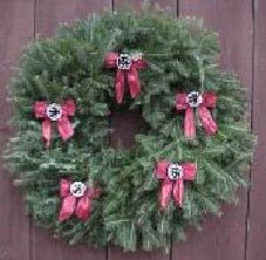 Order custom wreaths from Treichel's Trees