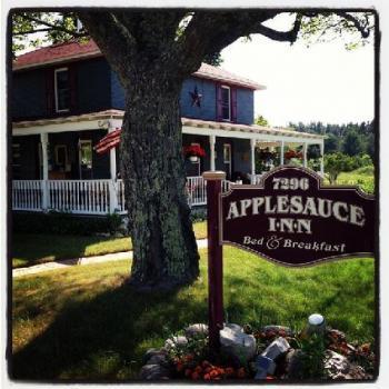 Applesauce Inn Bed and Breakfast